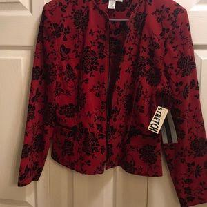 Amanda jacket zipper-on the front on thepocket